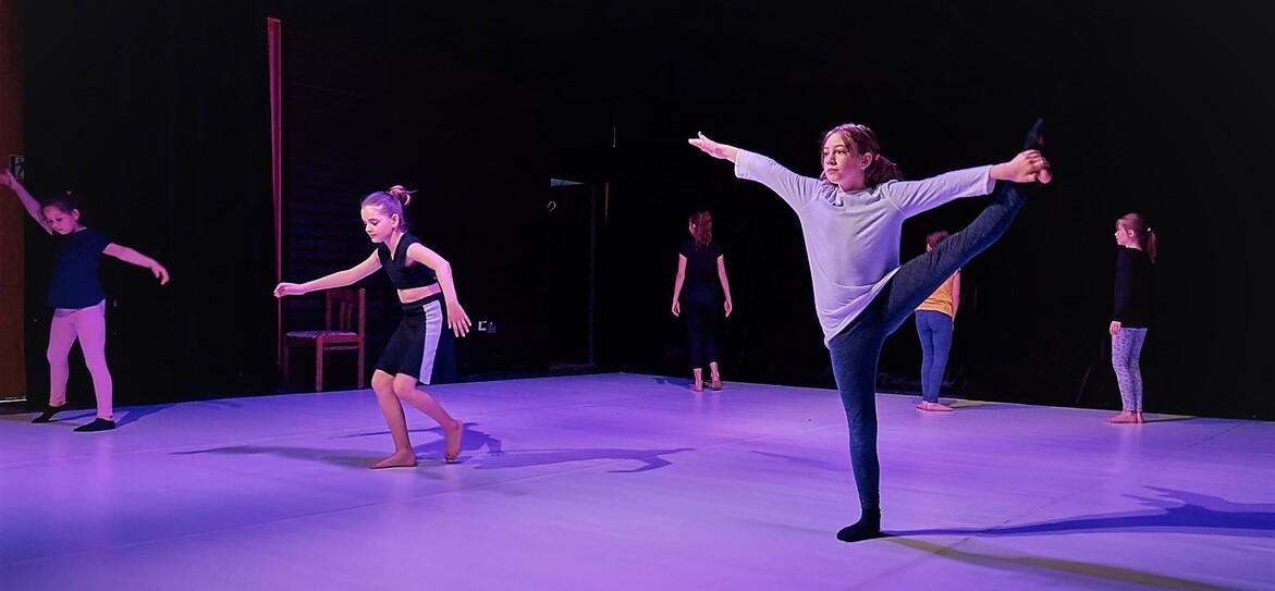 Divadelní a pohybová výchova (9-12 let)