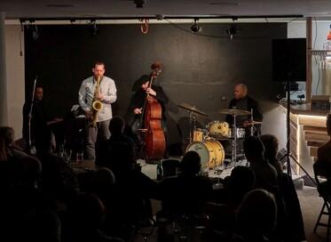 Jazzové večery v Divadelním klubu